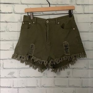 Love Tree Distressed Green Short